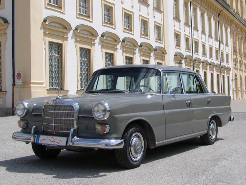 mercedes benz 230 heckflosse w110 zur miete in garching bei m nchen bookaclassic. Black Bedroom Furniture Sets. Home Design Ideas